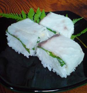 万作沖作りの箱寿司